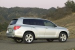 2010 Toyota Highlander in Classic Silver Metallic - Static Rear Right View