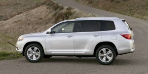 2010 Toyota Highlander Reviews / Specs / Pictures / Prices