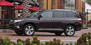 2012 Toyota Highlander Reviews / Specs / Pictures / Prices
