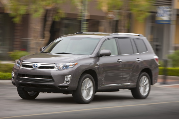 2013 Toyota Highlander Hybrid in Magnetic Gray Metallic Color - Driving - Front Left Three ...