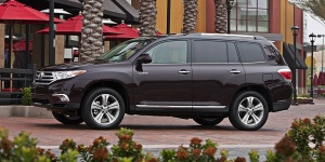 2013 Toyota Highlander Reviews / Specs / Pictures / Prices
