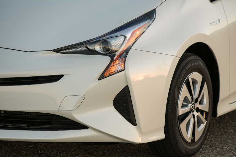 2018 Toyota Prius Two Headlight Picture