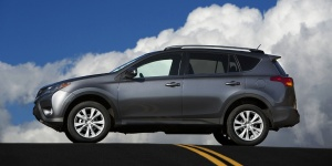 2013 Toyota RAV4 Reviews / Specs / Pictures / Prices