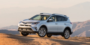2017 Toyota RAV4 Reviews / Specs / Pictures / Prices