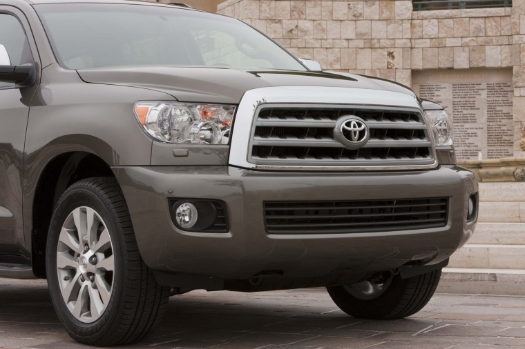 2017 Toyota Sequoia Front Facia Picture