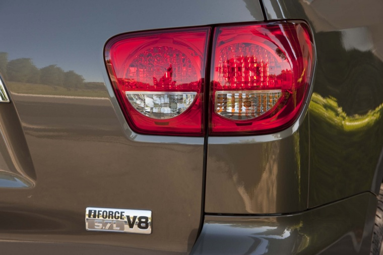 2017 Toyota Sequoia Tail Lights Picture