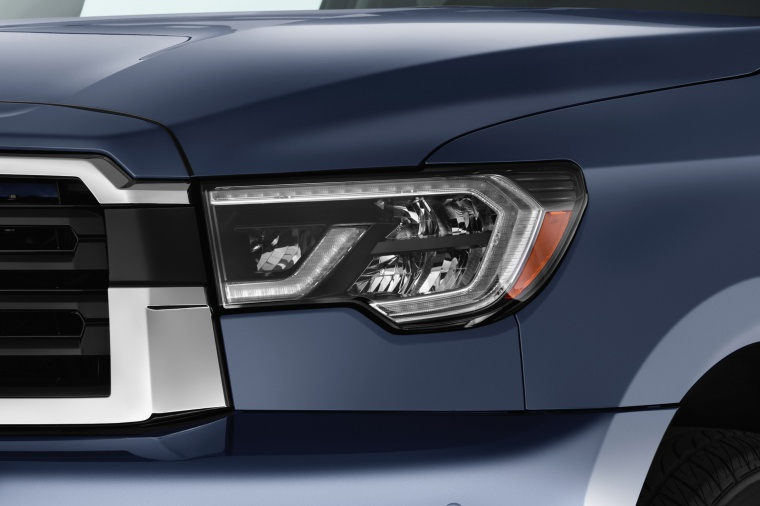 Picture of a 2019 Toyota Sequoia's Headlight