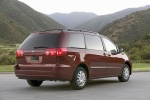 Picture of 2010 Toyota Sienna LE in Salsa Red Pearl