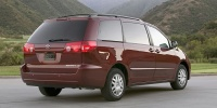 2010 Toyota Sienna Pictures
