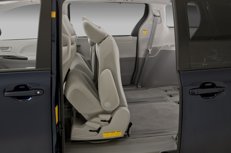 Toyota Sienna Hybrid >> 2012 Toyota Sienna LE Middle Row Seats Folded - Picture / Pic / Image