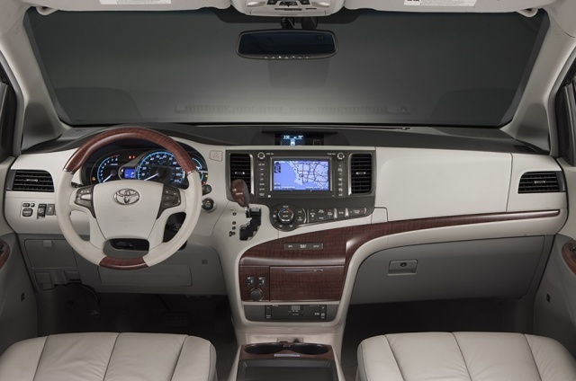 2013 Toyota  Sienna Picture