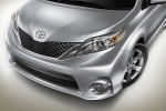 Picture of 2013 Toyota Sienna SE Headlight