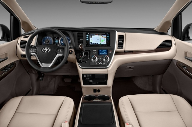 2016 Toyota  Sienna Picture