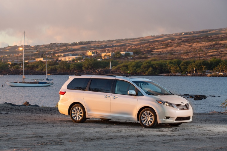 2017 Toyota Sienna Limited in Super White from a front right three-quarter view