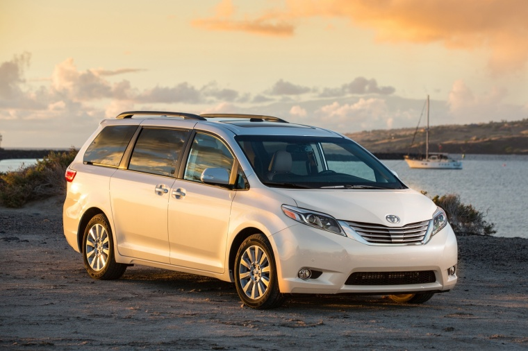 2017 Toyota Sienna Limited in Super White from a front right view