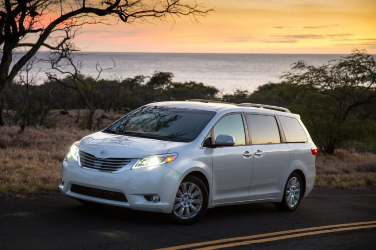 2017 Toyota Sienna Limited Picture