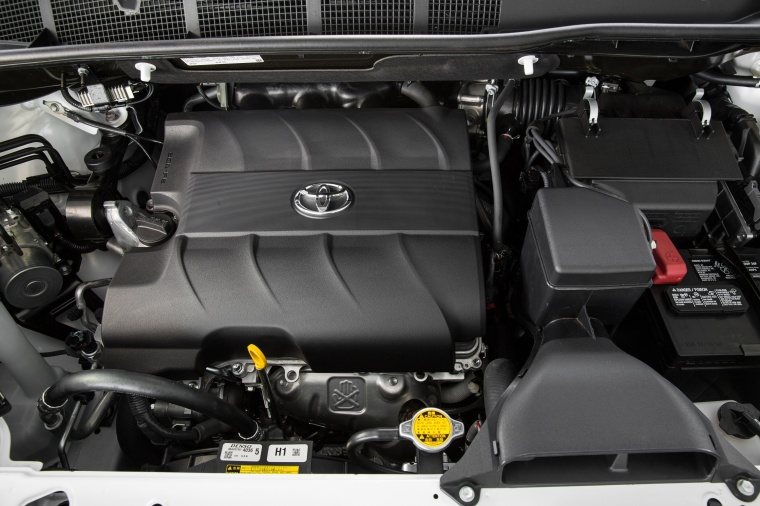 2017 Toyota Sienna Limited 3.5-liter V6 Engine Picture