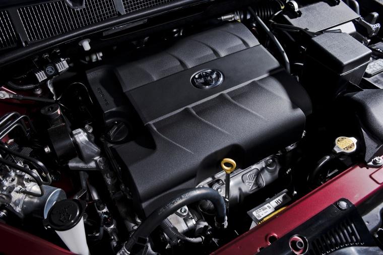2017 Toyota Sienna SE 3.5L 6-cylinder Engine Picture