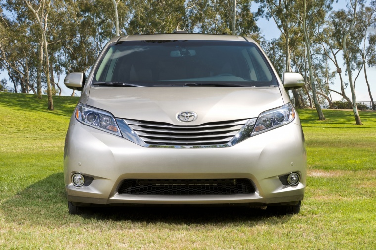 2017 Toyota Sienna Limited AWD in Creme Brulee Mica from a frontal view