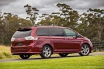 2017 Toyota Sienna SE in Salsa Red Pearl - Static Rear Right Three-quarter View