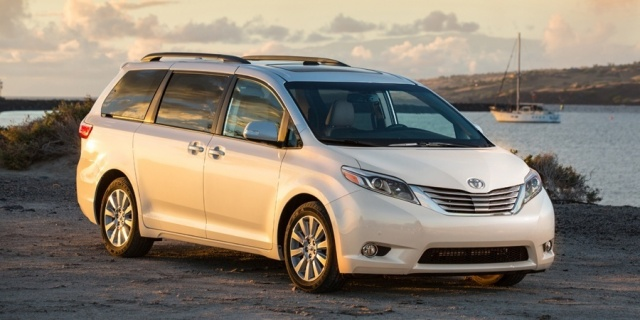 2017 Toyota Sienna Pictures