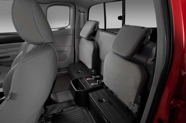 2013 Toyota Tacoma Access Cab V6 4WD Rear Seats Picture