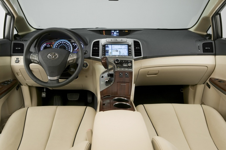 2012 Toyota Venza Cockpit Picture Image