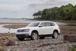 2018 Volkswagen Atlas SEL in Pure White - Static Front Left Three-quarter View