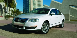 2010 Volkswagen Passat Reviews / Specs / Pictures / Prices