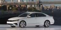 2017 Volkswagen Passat Pictures