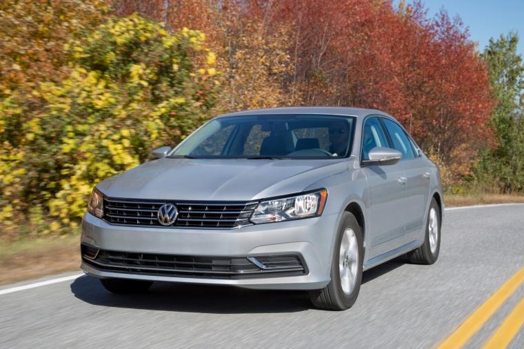 2018 Volkswagen Passat Sedan Picture