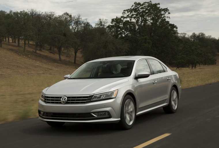 2018 Volkswagen Passat Sedan Picture