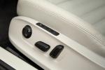 Picture of 2018 Volkswagen Passat Sedan Seat Controls