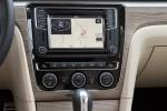 Picture of 2018 Volkswagen Passat V6 Sedan Center Stack