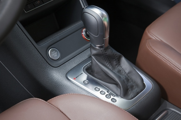 2017 Volkswagen Tiguan Gear Lever Picture