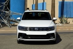 Picture of a 2018 Volkswagen Tiguan R-Line in Pure White from a frontal perspective