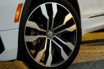Picture of a 2018 Volkswagen Tiguan R-Line's Rim