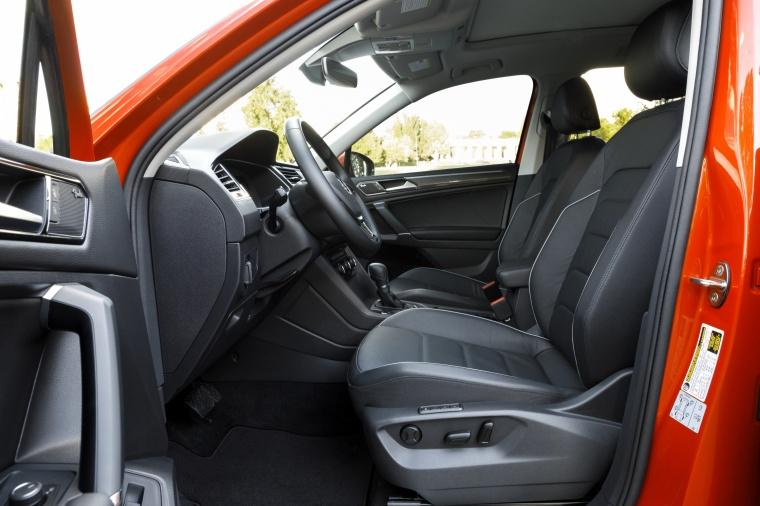 2019 Volkswagen Tiguan SEL Front Seats Picture