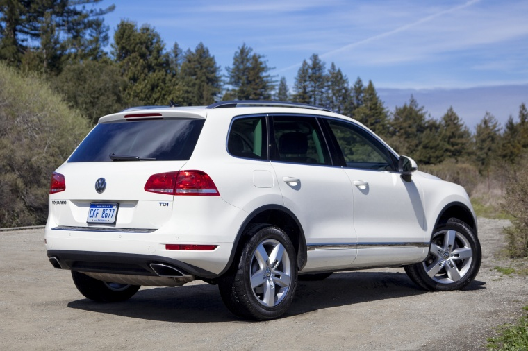 2011 Volkswagen Touareg TDI in Campanella White from a rear right view