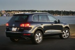 2012 Volkswagen Touareg Hybrid in Black Uni - Static Rear Right Three-quarter View