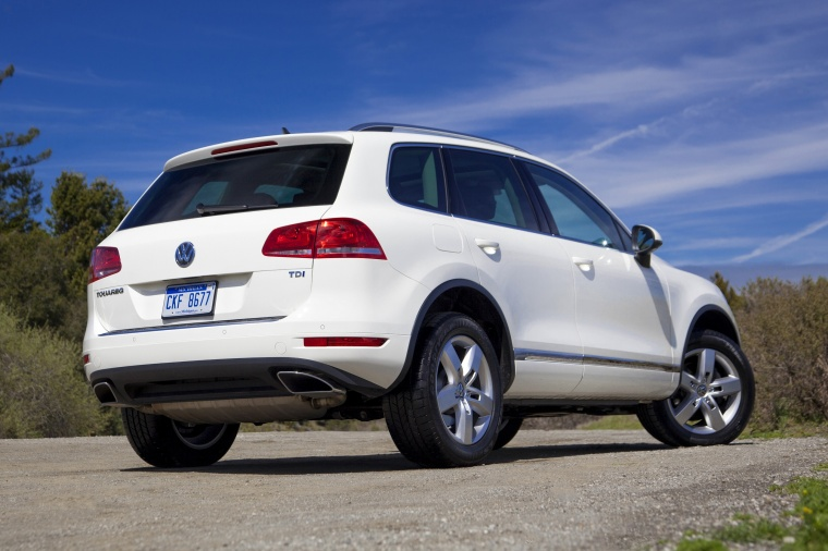 2014 Volkswagen Touareg TDI in Pure White from a rear right three-quarter view