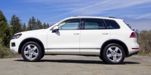 Research the 2014 Volkswagen Touareg