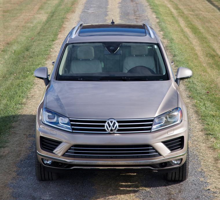 2015 Volkswagen (VW) Touareg TDI In Sand Gold Metallic