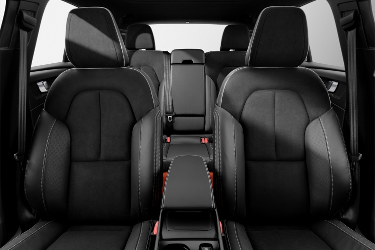 2019 Volvo XC40 T5 R-Design AWD Front Seats Picture