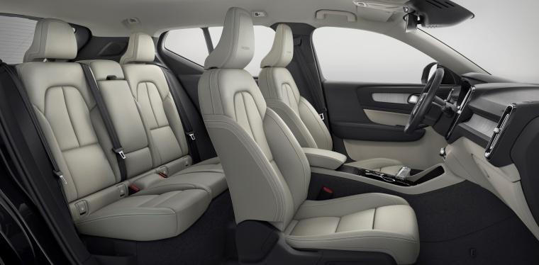 2019 Volvo XC40 T5 Inscription AWD Interior Picture
