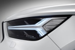 Picture of a 2019 Volvo XC40 T5 R-Design AWD's Headlight