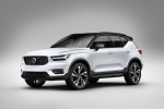 Picture of a 2019 Volvo XC40 T5 R-Design AWD in Crystal White Metallic from a front left three-quarter perspective