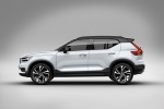 Picture of a 2019 Volvo XC40 T5 R-Design AWD in Crystal White Metallic from a side perspective