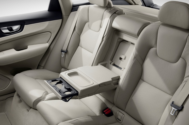 Picture of a 2019 Volvo XC60 T6 AWD's Rear Seats with Armrest
