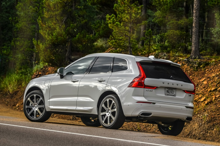Picture of a 2019 Volvo XC60 T8 eAWD in Crystal White Pearl Metallic from a rear left perspective
